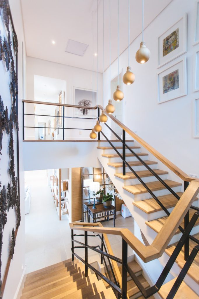 Whatu0027s Important When Choosing The Best Carpets For Stairs? | Pet My Carpet